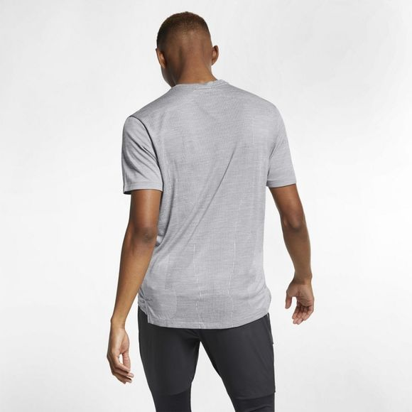 Nike Men's TechKnit Ultra Short Sleeve Running Top GUNSMOKE/ATMOSPHERE GREY